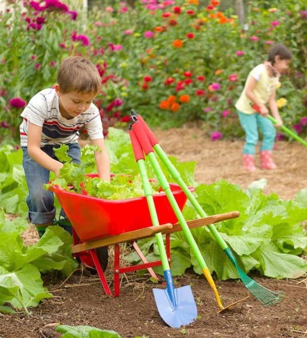 Frugal mama for Childrens gardening tools